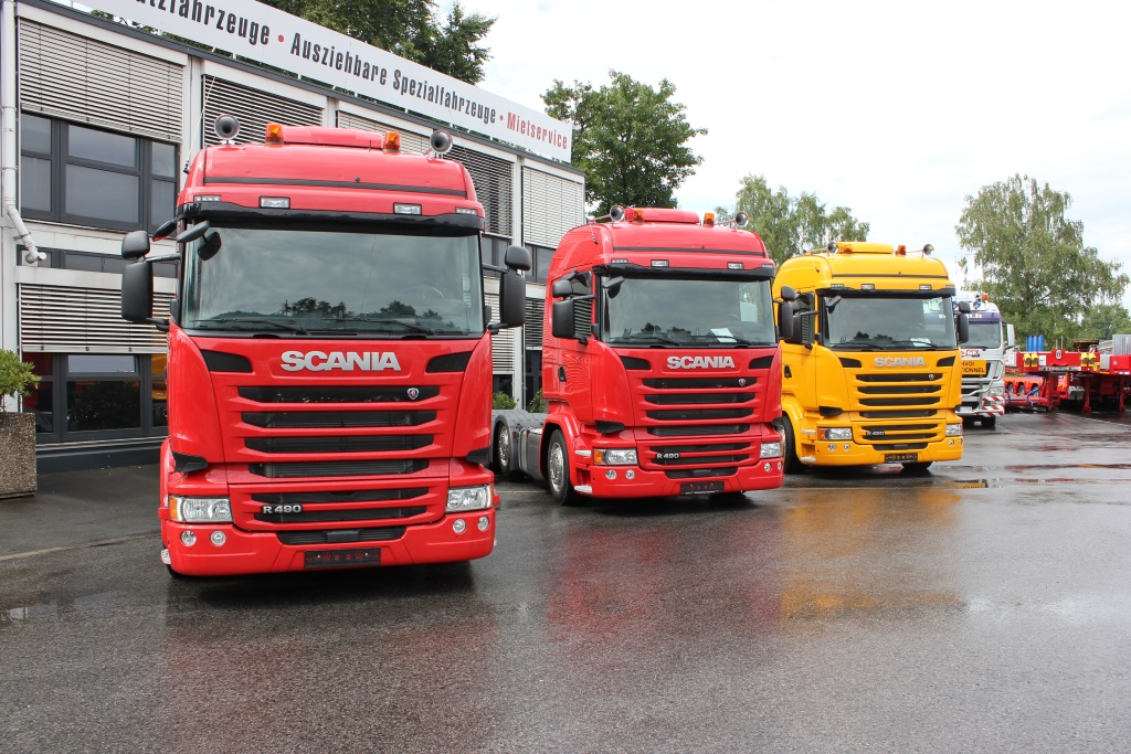 Scania R490 3 axles red yellow
