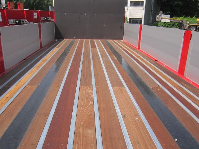 trailer details floor container twist locks