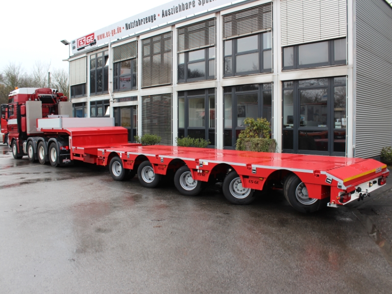ES-GE semi-trailer low-loader