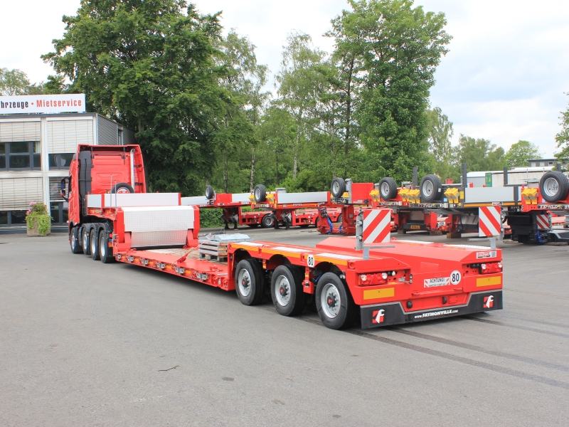 ES-GE semi-trailer low-bed low-loader