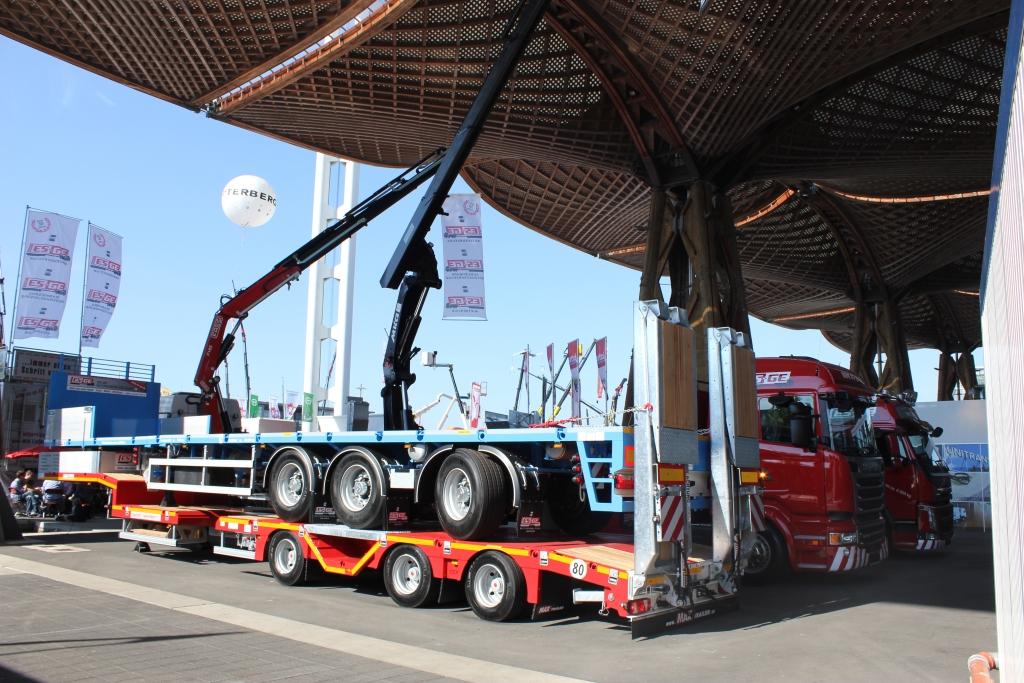 IAA-Nutzfahrzeuge-2016-Messestand-1