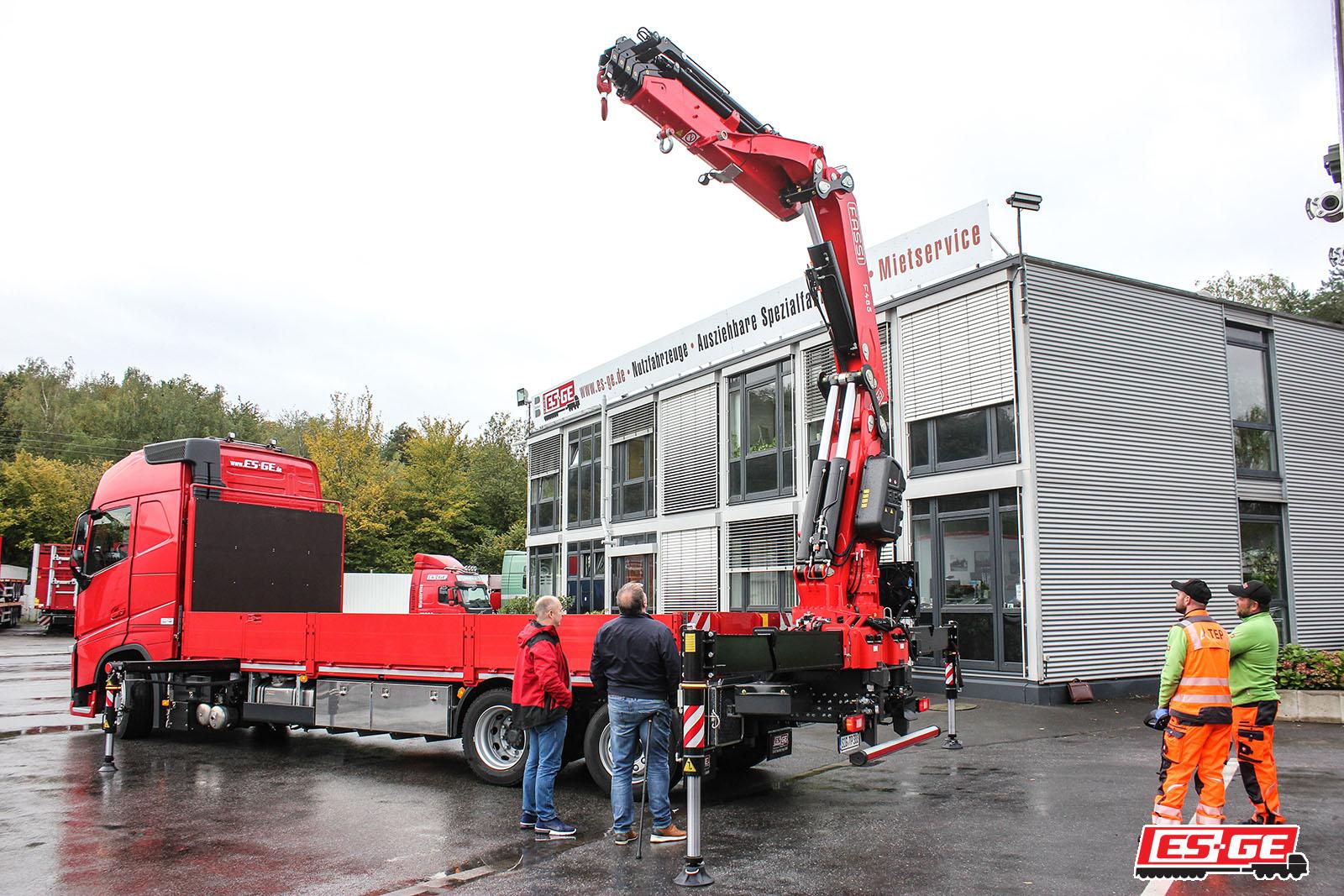 TEP-Gmbh-Volvo-LKW-mit-Ladekran-TEP-GmbH-Referenzen-ES-GE-4