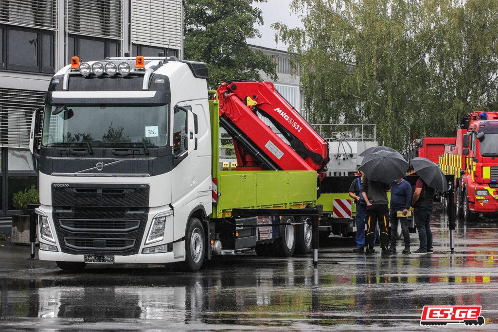 ES-GE-Referenzen-Kerger-Volvo-LKW-MKG-Ladekran-ES-GE-Tandemanhänger